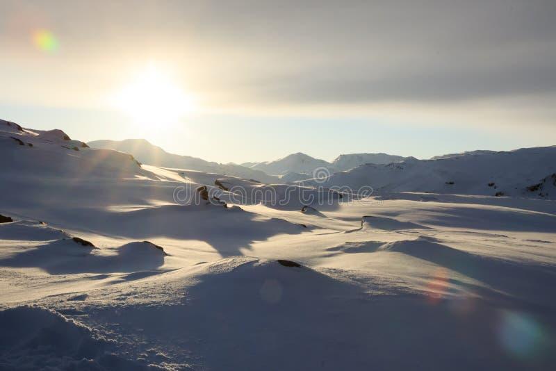 L'océan arctique, horaire d'hiver, rivage de neige, Russie, paysage de belle nature sauvage de nord voit Belle glace d'hiver de n image stock