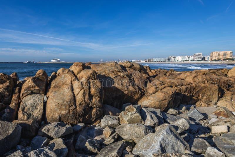 L'Océan Atlantique à Porto image libre de droits