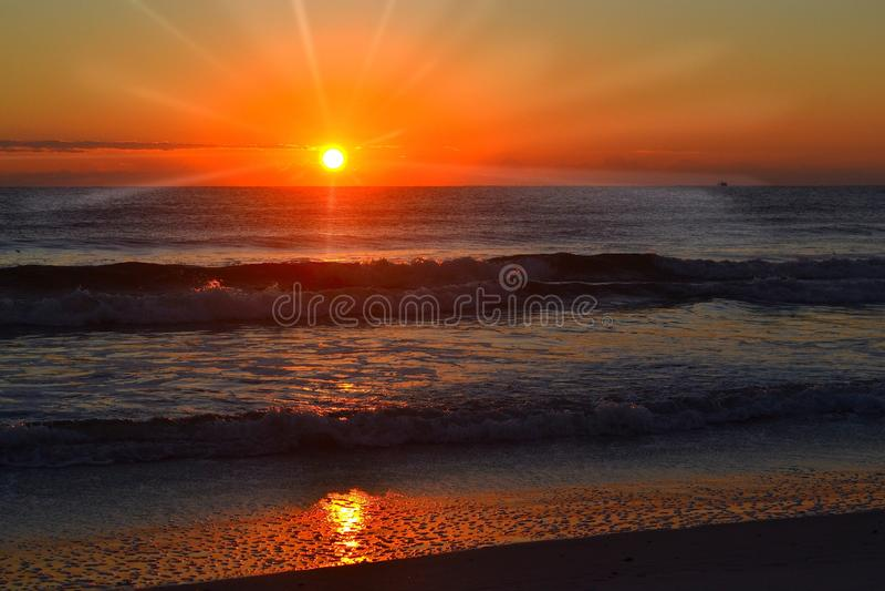 L'Océan Atlantique la Lever de soleil-Floride photo libre de droits