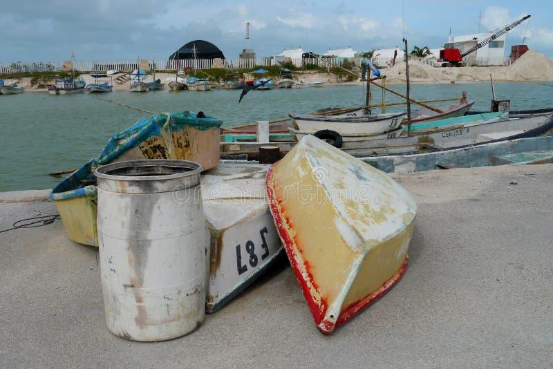 L'océan Mexique Telchac de bâteau de pêche de pêche accouple le port maritime photos libres de droits