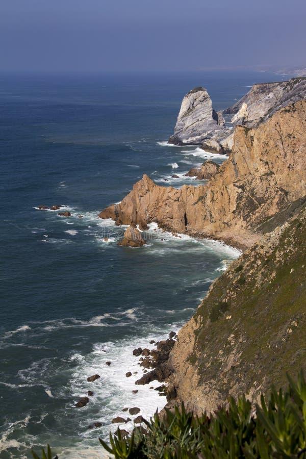L'Oceano Atlantico e roccia immagine stock libera da diritti