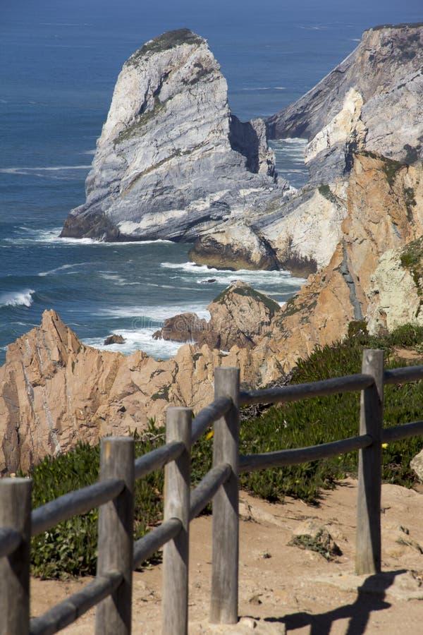L'Oceano Atlantico e roccia immagini stock libere da diritti