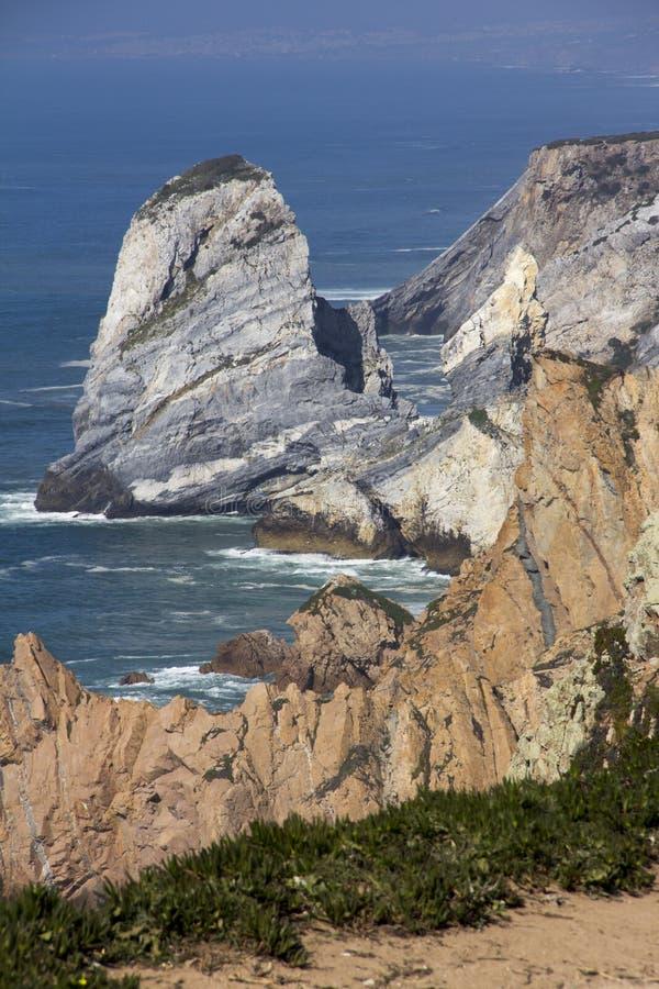 L'Oceano Atlantico e roccia fotografia stock