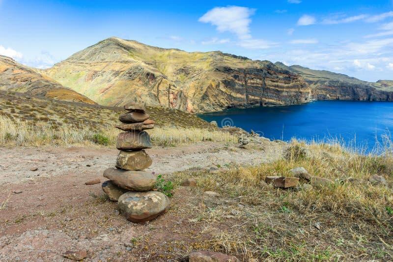 L'oceano e le montagne dell'isola del Madera abbelliscono, capo di San Lorenco fotografia stock libera da diritti