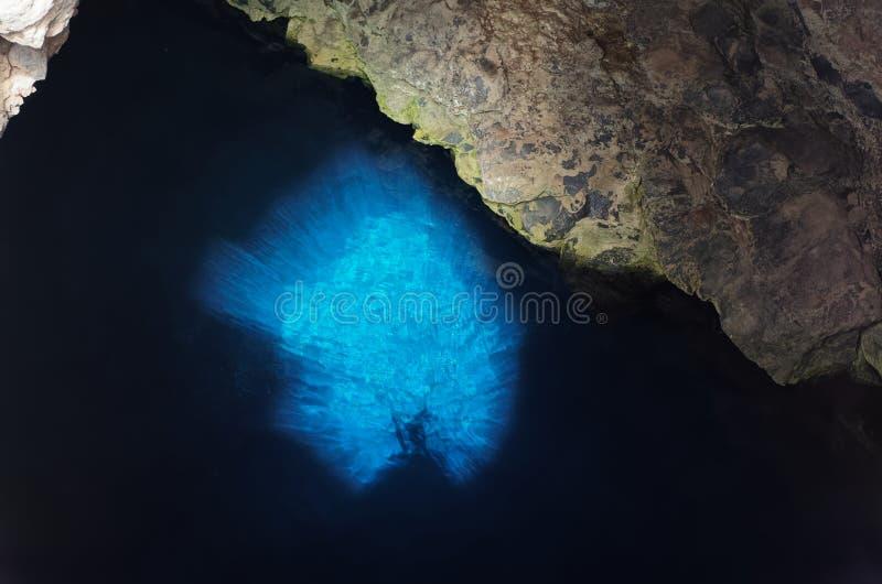 L'oeil bleu Buracona sur le sel d'île, Cap Vert photo libre de droits