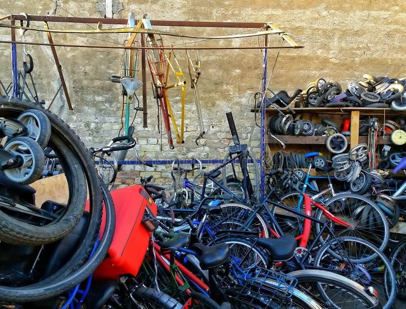 L'officina della bici fotografia stock