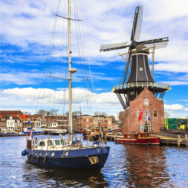 L 39 olanda canali di haarlem immagine stock immagine di for Houseboat amsterdam prezzi