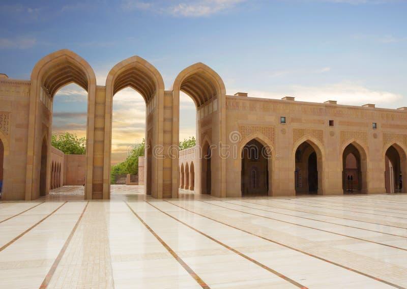 l'oman moscato Grande moschea di Sultan Qaboos immagini stock libere da diritti