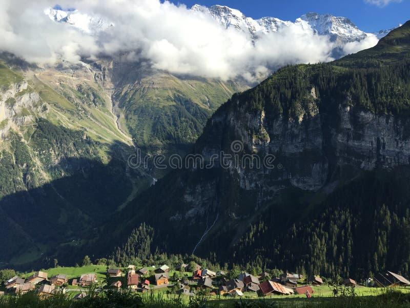 L'ombre de montagne images stock