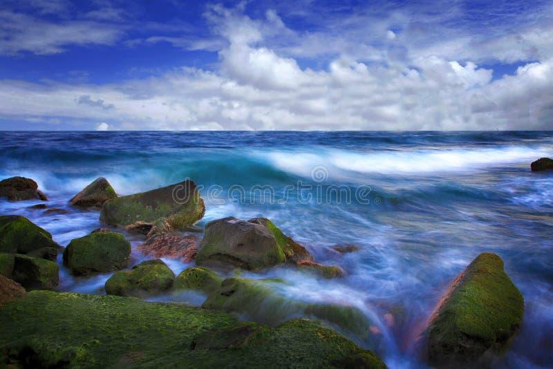Download L'onde molle photo stock. Image du arabie, roche, bleu - 45357480