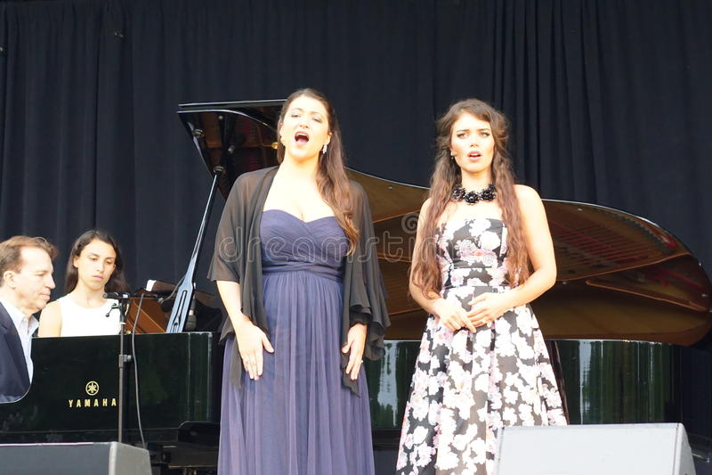 L'opéra de Metroplitan au parc 2 de Crotona images stock