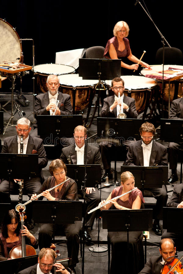 L'orchestre symphonique de Savaria exécute images libres de droits