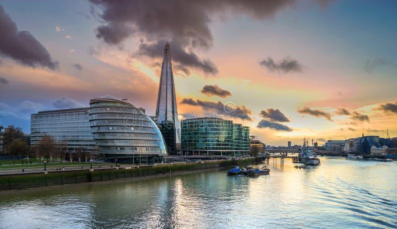 L'orizzonte di Londra a Southwark fotografia stock