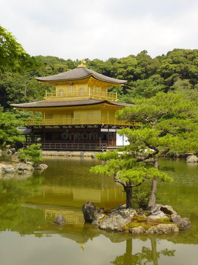 Download L'oro Pavillon fotografia stock. Immagine di oggetto, kyoto - 217612