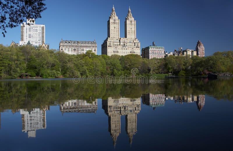 Download L'ouest De Central Park Se Reflètent Photo stock - Image du miroir, roth: 729458