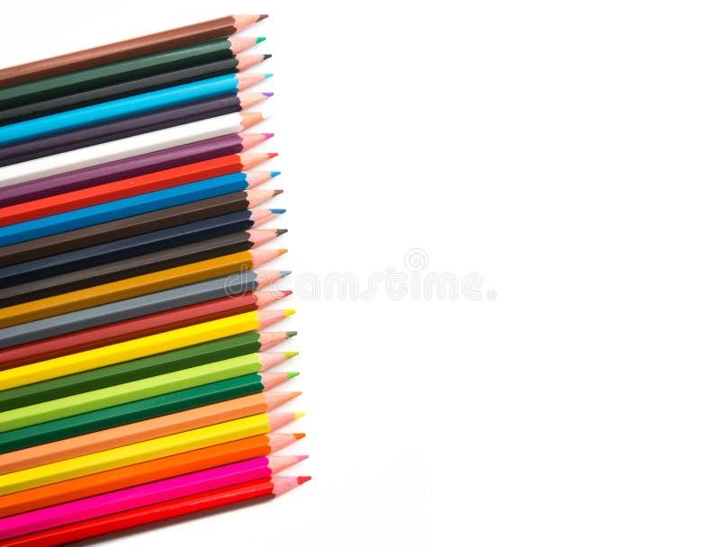 L?pis coloridos no fundo branco fotografia de stock