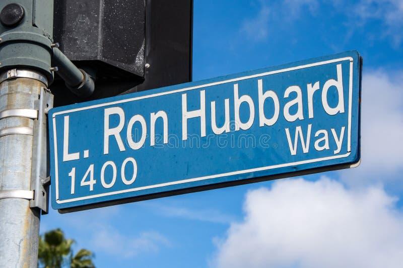 L Placa de calle de la manera de Ron Hubbard en Los Angeles, CA fotos de archivo libres de regalías
