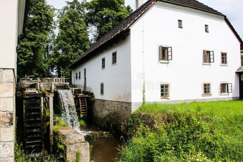 l'udoli de babbichino dans la République Tchèque est un conte de fées connu du livre Babicka images stock