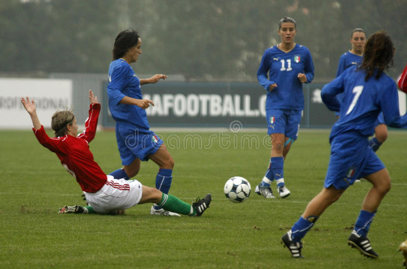 l'UEFA 2009 féminine du football de la Hongrie Italie de championnat photos libres de droits