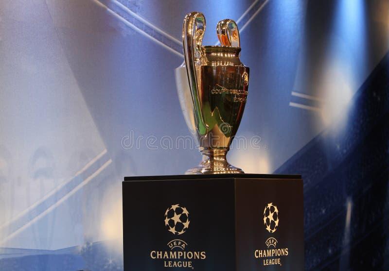 L'UEFA foggia a coppa il trofeo fotografie stock libere da diritti