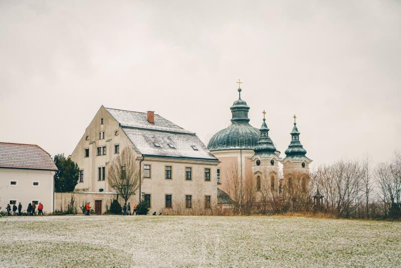 L'ufficio postale famoso Christkindl Postamt e Cathloi di Natale fotografie stock libere da diritti