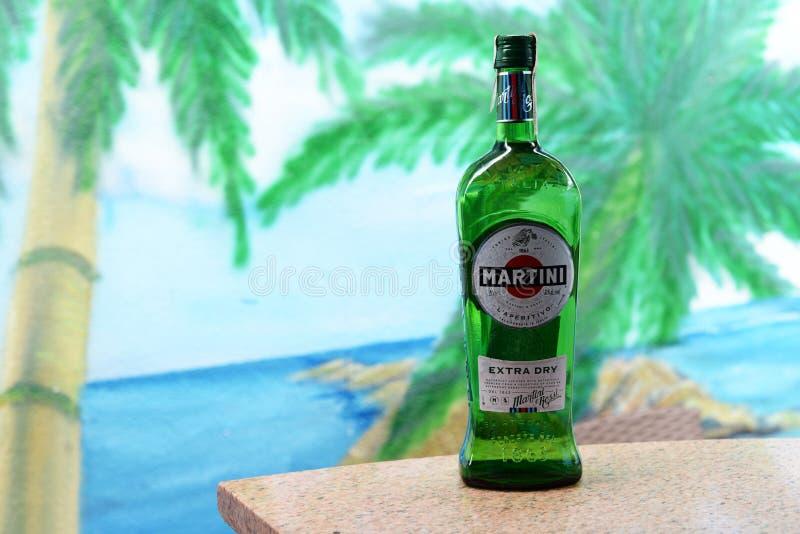 L'Ukraine Kiev - 25 juin 2018 marché d'apéritif de vermouth de boissons fortes images stock