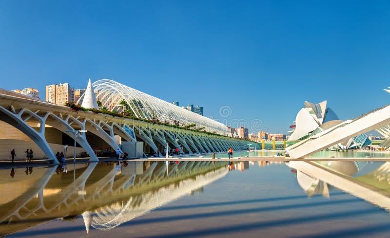 L ` Umbracle, kształtujący teren spacer z roślina gatunkami miejscowymi Walencja - miasto sztuki i nauki, Hiszpania zdjęcia royalty free