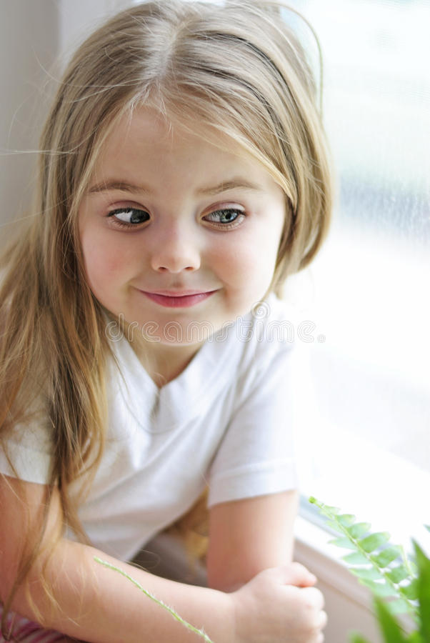 L'une belle petite fille photo stock