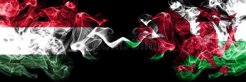 L'Ungheria, ungherese, Galles, Lingua gallese, bandiere fumose variopinte spesse della concorrenza di vibrazione Giochi europei d royalty illustrazione gratis