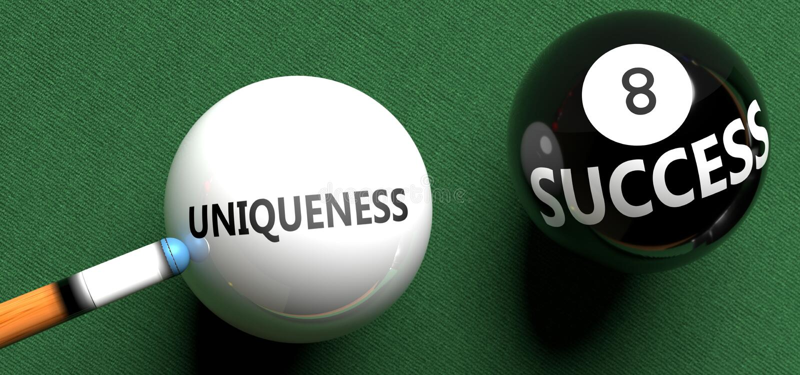 L'unicità porta al successo - nella foto come parola Uniquità su una palla da biliardo, per simboleggiare che l'Uniquità può dare fotografia stock libera da diritti