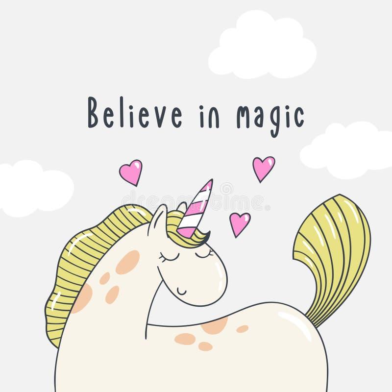 L'unicorno grazioso del cavallino del fumetto con le nuvole e l'iscrizione credono nella magia illustrazione vettoriale