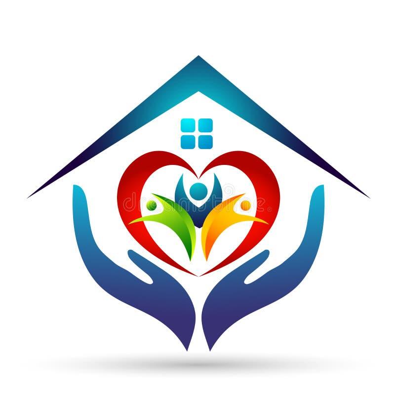 L'union heureuse de famille, aiment les mains en forme de coeur s'inquiètent des enfants et s'inquiéter heureux avec le logo à la illustration libre de droits