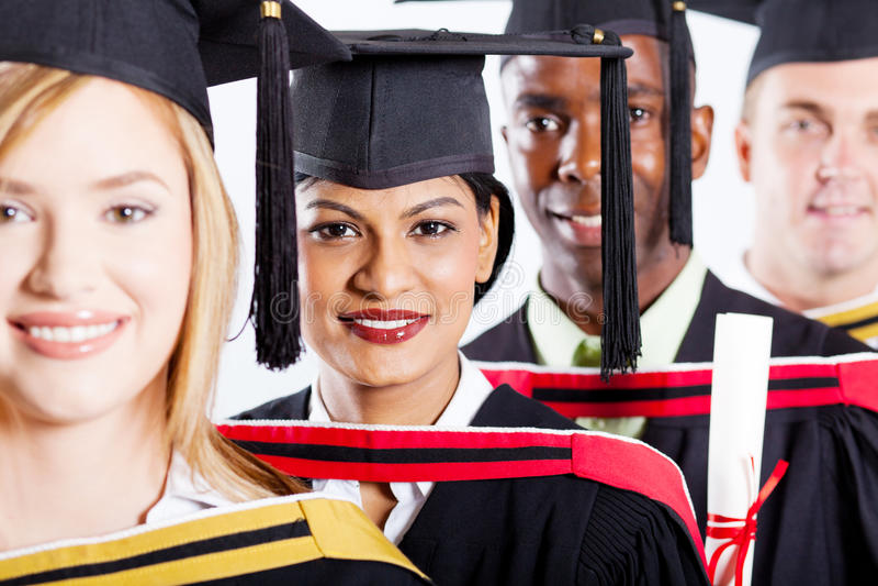 L'université reçoit un diplôme le plan rapproché photos libres de droits