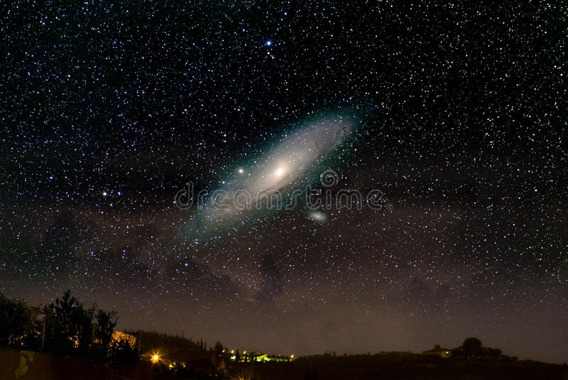 L'universo qui sopra. La galassia del Andromeda. fotografia stock