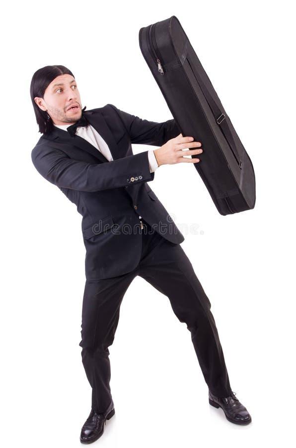 L'uomo con la cassa del violino isolata su bianco immagini stock