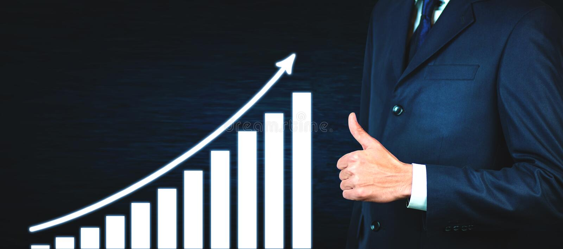 L'uomo d'affari che mostra i pollici aumenta il segno grafico di crescita Sfera differente 3d fotografia stock