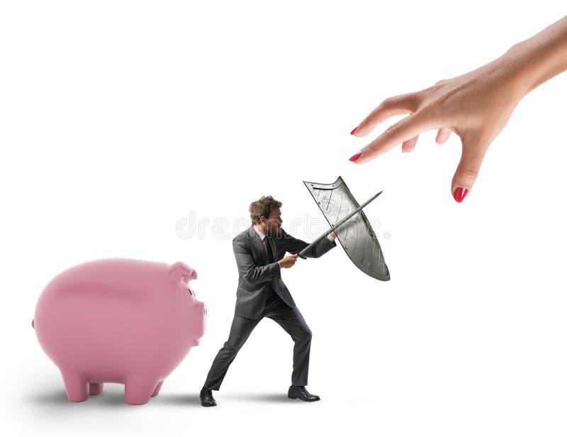 L'uomo di affari protegge il capitale finanziario dal combattimento del fisco con la spada e lo schermo rappresentazione 3d fotografia stock