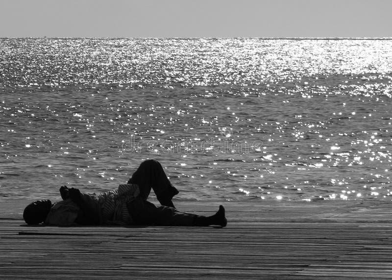 L'uomo senza casa fotografia stock libera da diritti