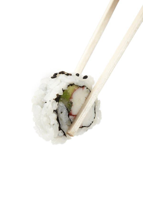 L'uramaki de sushi, à l'envers, petit pain de la Californie avec la côtelette colle. images stock