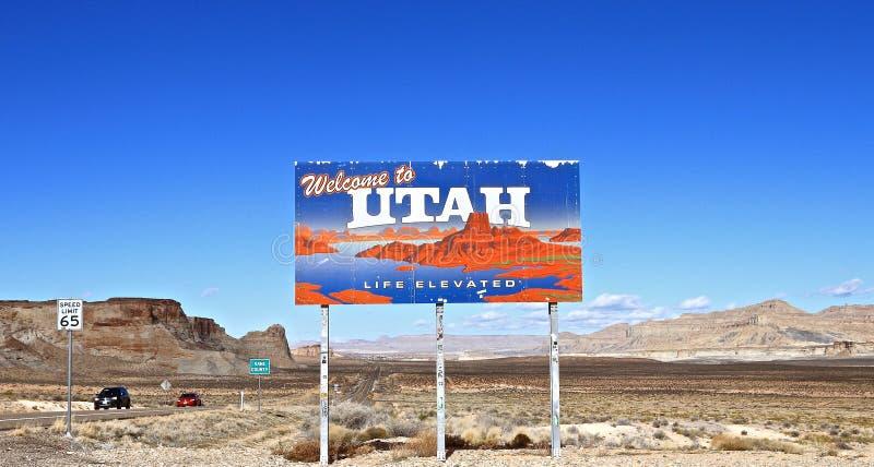 L'Utah, Etats-Unis : Paysage avec le signe bienvenu photos libres de droits