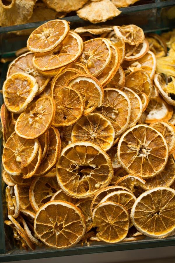 l venda seca natural do fruto no mercado fotos de stock royalty free