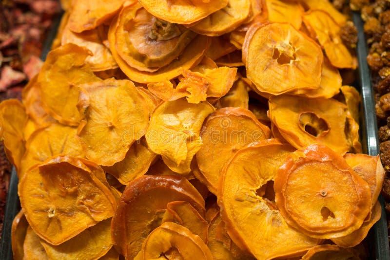 l vendita a secco naturale della frutta nel mercato fotografia stock