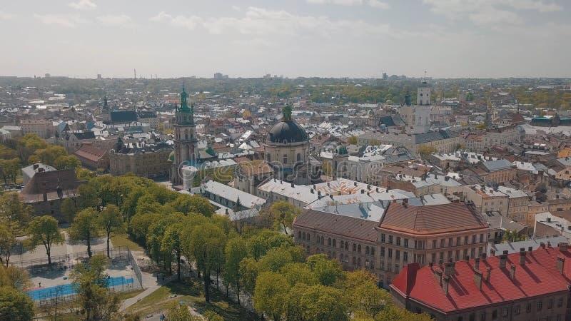 L'vov, Ucraina Citt? aerea Leopoli, Ucraina Panorama di vecchia citt? domenicano fotografia stock