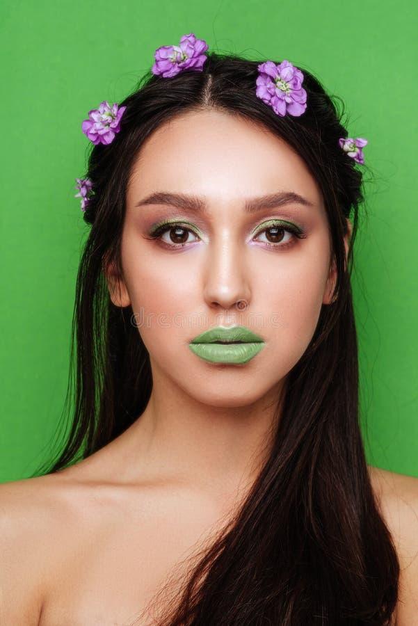 L?vres et plan rapproch? sexy verts de mode Ouvrez la bouche photos libres de droits
