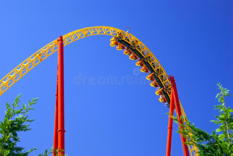 Laço do roller coaster fotografia de stock royalty free