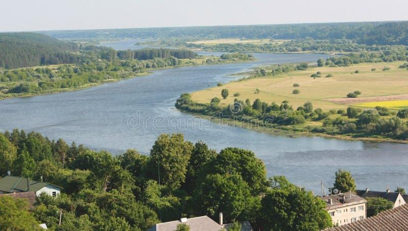 Download Laços do rio foto de stock. Imagem de céu, europa, verão - 26510348