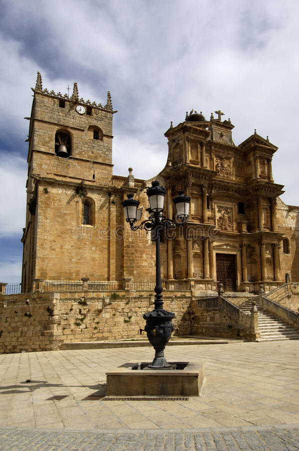 La亚松森教会, Gumiel de希赞,布尔戈斯,卡斯蒂利亚利昂,西班牙 库存照片