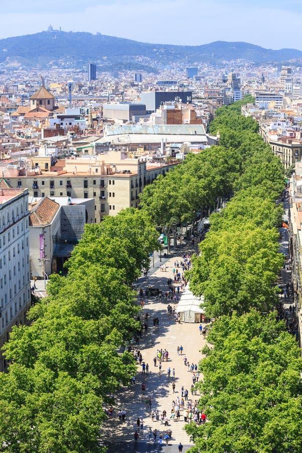 La兰布拉著名街道在巴塞罗那的中心 库存图片