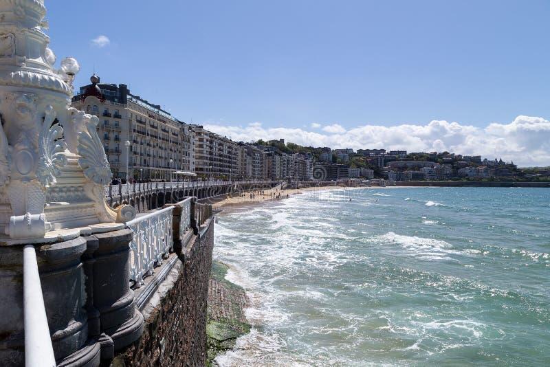 La在圣・萨巴斯蒂安,Donostia的外耳海滩 库存图片