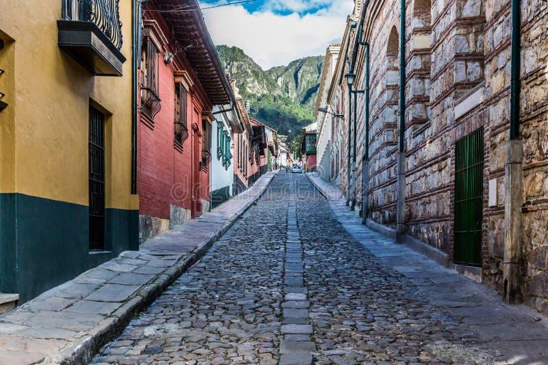 La坎德拉里亚角五颜六色的街道波哥大哥伦比亚 免版税库存照片